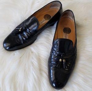 B2G1 VTG Gucci Black Leather Tassel Wingtip Loafer